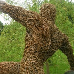 discus willow sculpture